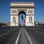 Francia entra en cuarentena total hasta mayo